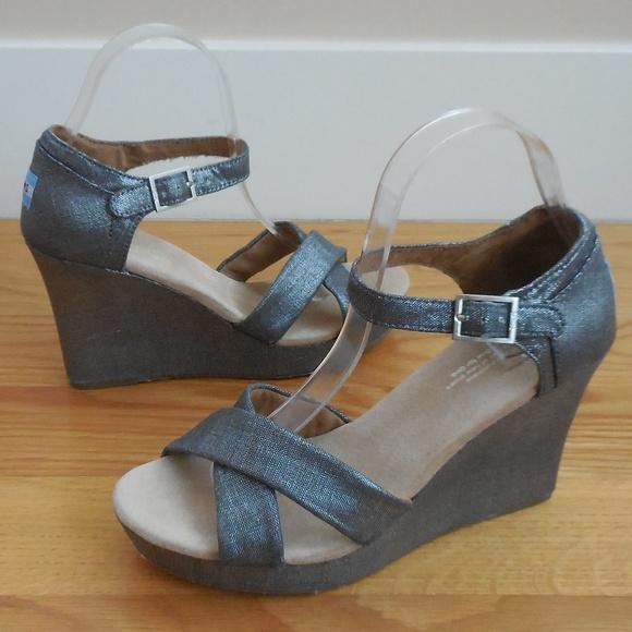 d98024e70b3  110~TOMS~Metallic Silver Gray SIENNA Wedge Sandal